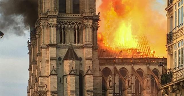 Incendio a Notre-Dame de Paris