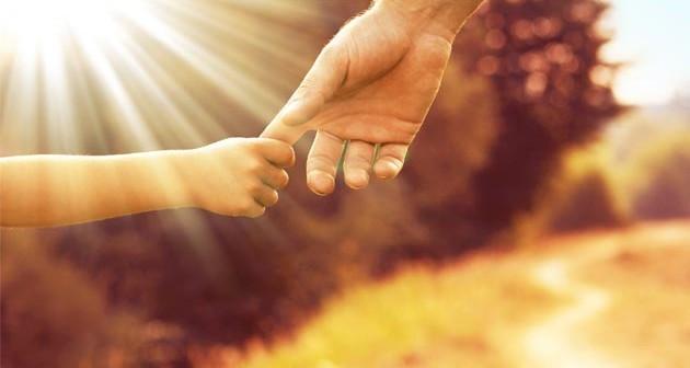 La mano dell uomo nella mano di dio che si fatto uomo - Armatura dell immagine del dio ...