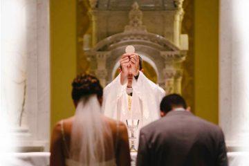 Sacerdote e sposi